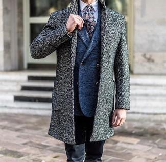 Как и с чем носить: серое длинное пальто, синий шерстяной двубортный пиджак, светло-фиолетовая классическая рубашка, черные брюки чинос