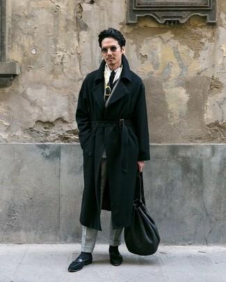 Как и с чем носить: черное длинное пальто, серый шерстяной двубортный пиджак в клетку, белая классическая рубашка, серые шерстяные классические брюки в клетку