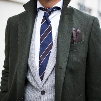 Как и с чем носить: темно-зеленое длинное пальто, серый пиджак в вертикальную полоску, белая классическая рубашка, темно-синий галстук в горизонтальную полоску
