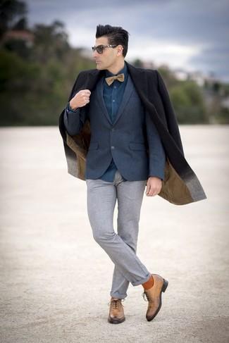 Как и с чем носить: черное длинное пальто, темно-синий шерстяной пиджак, темно-бирюзовая классическая рубашка, серые шерстяные классические брюки