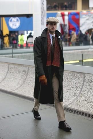 Как и с чем носить: черное длинное пальто, темно-коричневый пиджак, белая классическая рубашка, бежевые классические брюки