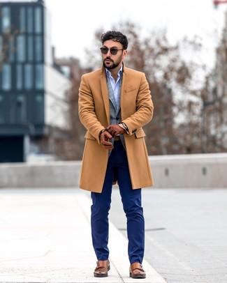 Как и с чем носить: светло-коричневое длинное пальто, серый пиджак в шотландскую клетку, голубая рубашка с длинным рукавом, темно-синие классические брюки