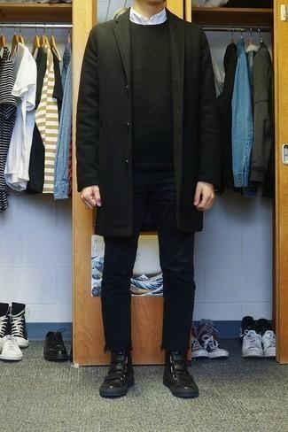 Белая рубашка с длинным рукавом: с чем носить и как сочетать мужчине: Комбо из белой рубашки с длинным рукавом и черных джинсов без сомнений будет обращать на себя взоры красивых девушек. черные кожаные высокие кеды добавят луку непринужденности и дерзости.