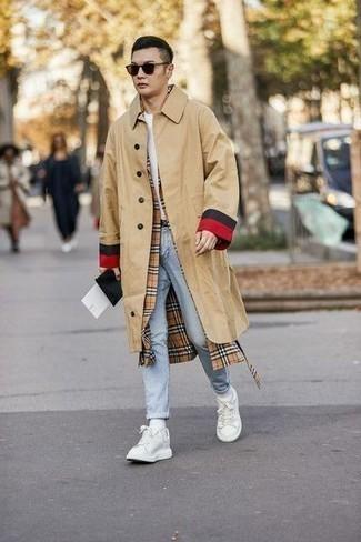 С чем носить белые носки мужчине: Сочетание светло-коричневого дождевика и белых носков пользуется большой популярностью среди ценителей практичного удобства. Боишься выглядеть неаккуратно? Дополни этот образ белыми низкими кедами из плотной ткани.