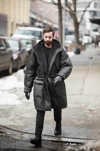 Черные кожаные перчатки: с чем носить и как сочетать мужчине: Черная дубленка и черные кожаные перчатки позволят создать легкий и функциональный образ для выходного в парке или вечера в шумном заведении с друзьями. Такой лук получает свежее прочтение в паре с черными кожаными повседневными ботинками.