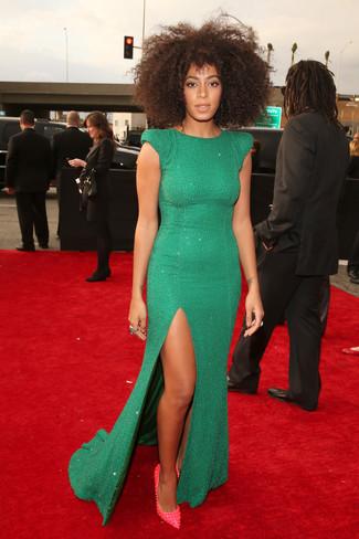 зеленое вечернее платье с украшением ярко розовые кожаные туфли с шипами large 5489