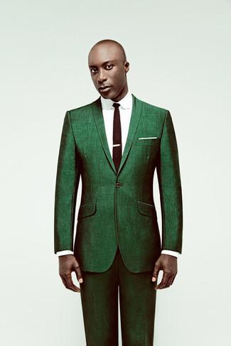 Как Dermot O'Leary носит Зеленый костюм, Белая классическая рубашка, Темно-коричневый вязаный галстук, Белый нагрудный платок