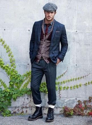 Как и с чем носить: темно-красный кардиган с отложным воротником, темно-синий пиджак в клетку, синяя рубашка с длинным рукавом с принтом, темно-синие классические брюки
