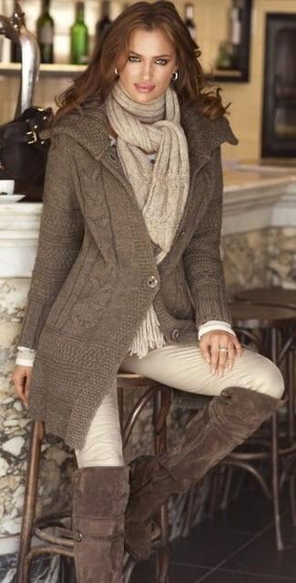 кардиган футболка с длинным рукавом узкие брюки ботфорты шарф large 5827