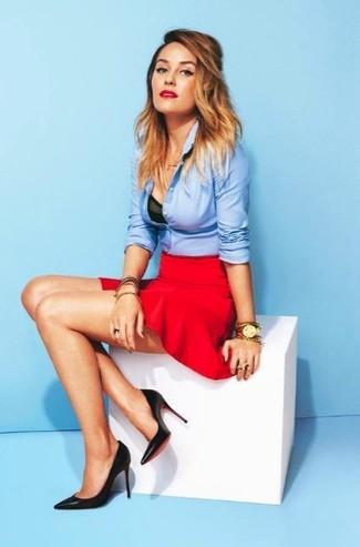 Красная юбка и голубая рубашка