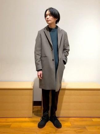 С чем носить коричневое длинное пальто: Коричневое длинное пальто и темно-коричневые брюки чинос — необходимые вещи в стильном мужском гардеробе. Черные замшевые ботинки дезерты помогут сделать образ менее строгим.