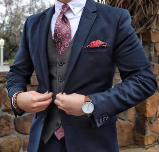 Как и с чем носить: темно-синий костюм, серый жилет, белая классическая рубашка, красный галстук с принтом