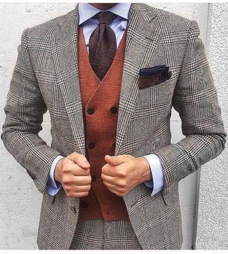 """Темно-коричневый нагрудный платок с принтом: с чем носить и как сочетать: Серый шерстяной костюм с узором """"гусиные лапки"""" и темно-коричневый нагрудный платок с принтом — идеальный лук, если ты хочешь создать простой, но в то же время стильный мужской лук."""