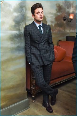 5621985d0ac8 Как и с чем носить: темно-серый костюм в шотландскую клетку, голубая  классическая