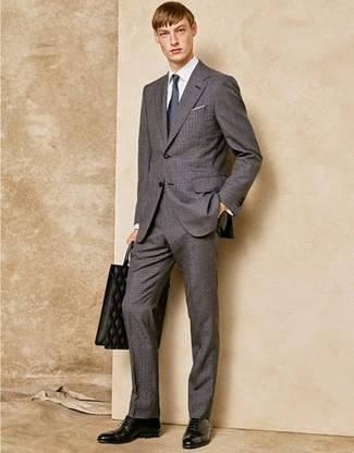 Как и с чем носить: серый костюм, белая классическая рубашка, черные кожаные оксфорды, черная кожаная большая сумка