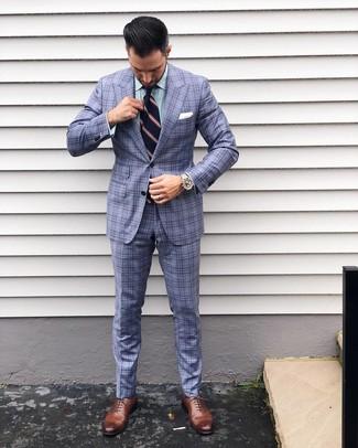 Как и с чем носить: голубой костюм в шотландскую клетку, зеленая классическая рубашка в вертикальную полоску, коричневые кожаные оксфорды, темно-синий галстук в вертикальную полоску