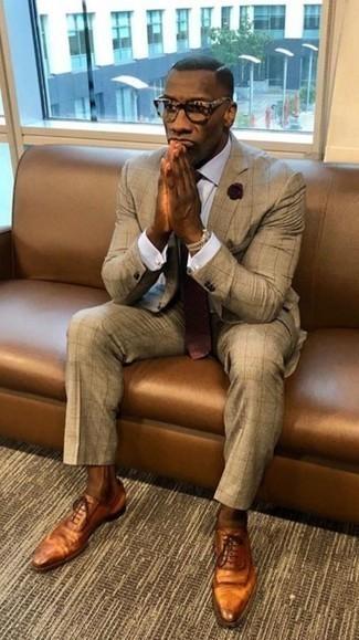 Темно-красный галстук в горошек: с чем носить и как сочетать мужчине: Несмотря на то, что это классический образ, образ из светло-коричневого костюма и темно-красного галстука в горошек всегда будет нравиться стильным мужчинам, пленяя при этом сердца женщин. Дополни лук табачными кожаными оксфордами, если боишься, что он получится слишком вычурным.