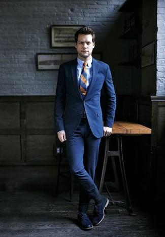 Как и с чем носить: темно-синий костюм, голубая классическая рубашка, темно-синие кожаные туфли дерби, темно-синий галстук в горизонтальную полоску