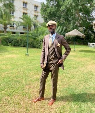 Как одеваться мужчине за 40: Любой джентльмен будет выглядеть выше всяких похвал в голубой классической рубашке в вертикальную полоску.