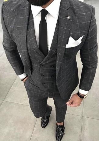 Как и с чем носить: серый костюм-тройка в клетку, белая классическая рубашка, черные кожаные монки с двумя ремешками, черный галстук