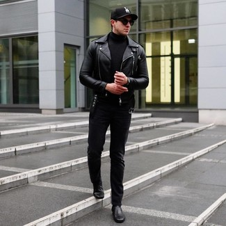 Как и с чем носить: черная кожаная косуха, черная водолазка, черные джинсы, черные кожаные ботинки челси