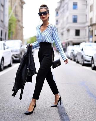 Как и с чем носить: черная кожаная косуха, голубая классическая рубашка в вертикальную полоску, черные брюки-галифе, черные кожаные туфли