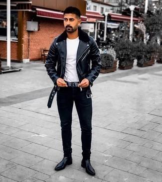 Мужские луки: Если ты делаешь ставку на удобство и функциональность, черная кожаная косуха и черные зауженные джинсы — хороший вариант для модного мужского ансамбля на каждый день. Теперь почему бы не привнести в повседневный образ толику консерватизма с помощью черных кожаных ботинок челси?