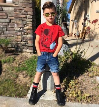 С чем носить черные носки мальчику: