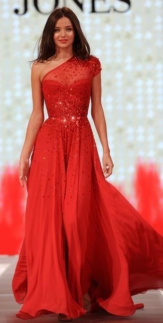 Модный лук: Красное вечернее платье с пайетками