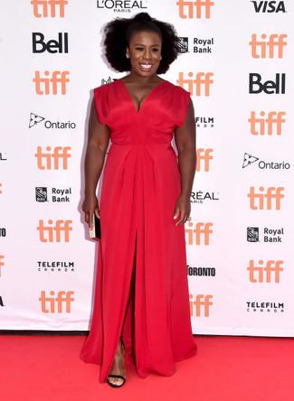 красное вечернее платье с разрезом черные замшевые босоножки на каблуке черно золотой клатч large 22637