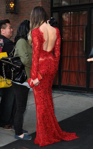 Модный лук: Красное кружевное вечернее платье, Красный кожаный клатч