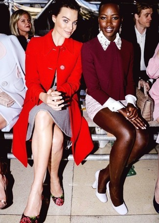 красное пальто серое шерстяное платье черные туфли с цветочным принтом large 1456