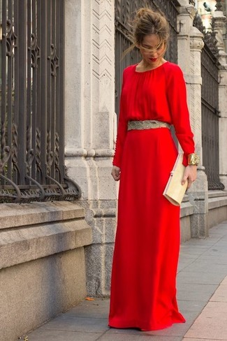 Красное с золотом платье фото