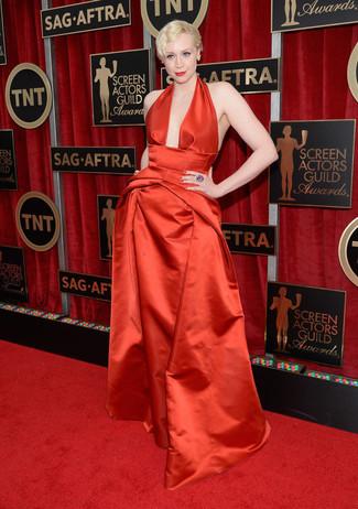 красное сатиновое вечернее платье желтые серьги фиолетовое кольцо large 8014