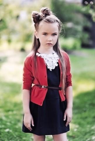 Как и с чем носить: красный кардиган, черное платье
