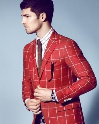 Как и с чем носить: красный пиджак в шотландскую клетку, бело-красно-синяя рубашка с длинным рукавом в шотландскую клетку, коричневый вязаный галстук