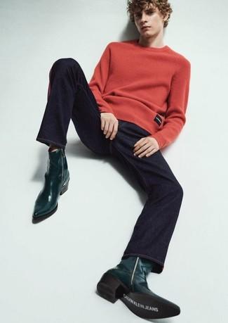 Как и с чем носить: красный свитер с круглым вырезом, темно-синие джинсы, темно-зеленые кожаные ковбойские сапоги