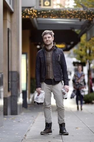 ae1e433a Мужская мода › Мода для 30-летних мужчин Модный лук: коричневая куртка без  рукавов, темно-синяя джинсовая куртка, черная рубашка