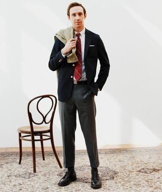 Модный лук: оливковая куртка-рубашка, темно-синий пиджак, белая классическая рубашка, темно-серые классические брюки