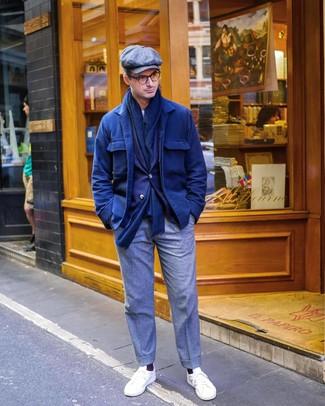 Как и с чем носить: темно-синяя шерстяная куртка-рубашка, темно-синий пиджак, белая футболка с круглым вырезом, серые шерстяные классические брюки