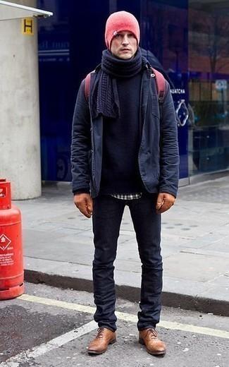 Табачные кожаные перчатки: с чем носить и как сочетать мужчине: Сочетание темно-синей куртки-рубашки и табачных кожаных перчаток - очень практично, и поэтому идеально на каждый день. Дополнив образ табачными кожаными оксфордами, получим потрясающий результат.