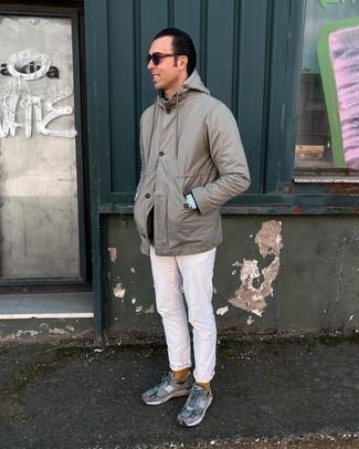 С чем носить табачные носки мужчине: Сочетание серой куртки-рубашки и табачных носков пользуется большой популярностью среди ценителей комфортной одежды. Очень органично здесь будут смотреться серые кроссовки.