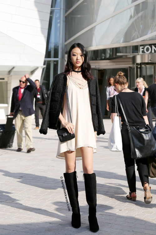 Мода сапоги и платье