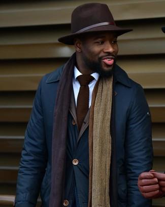 Как и с чем носить: темно-синяя куртка с воротником и на пуговицах, белая классическая рубашка, темно-коричневая шерстяная шляпа, темно-коричневый вязаный галстук