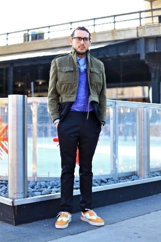 Как и с чем носить: оливковая куртка с воротником и на пуговицах, темно-синий костюм, синий свитер с v-образным вырезом, голубая рубашка с длинным рукавом