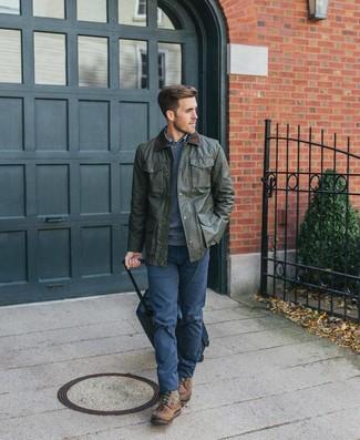 Как и с чем носить: оливковая куртка с воротником и на пуговицах, темно-синий свитер с круглым вырезом, синяя рубашка с длинным рукавом в шотландскую клетку, темно-синие брюки чинос