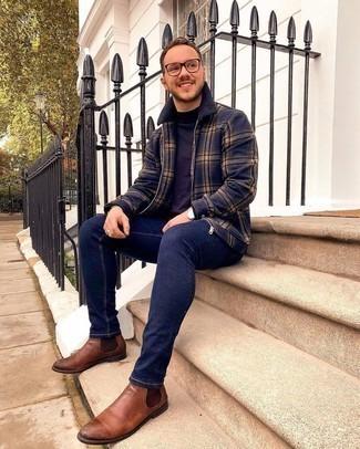 С чем носить коричневые кожаные ботинки челси мужчине: Темно-синяя куртка харрингтон в шотландскую клетку и темно-синие зауженные джинсы — выбор парней, которые никогда не сидят на месте. Теперь почему бы не привнести в этот лук на каждый день толику изысканности с помощью коричневых кожаных ботинок челси?