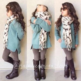Как и с чем носить: мятный свитер, коричневые леггинсы, темно-коричневые ботинки, белый шарф