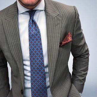Как и с чем носить: оливковый пиджак в вертикальную полоску, голубая классическая рубашка, синий галстук с принтом, оранжевый шелковый нагрудный платок с принтом