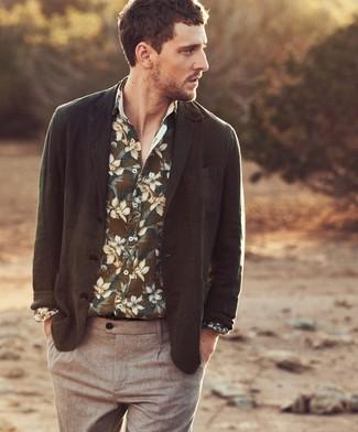Как и с чем носить: оливковый пиджак, оливковая рубашка с длинным рукавом с цветочным принтом, коричневые брюки чинос